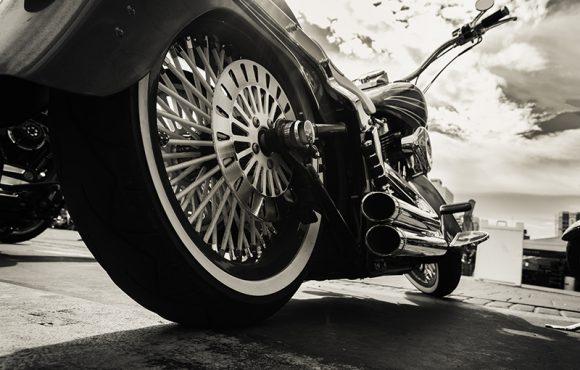 Escapamento de moto: pode trocar?