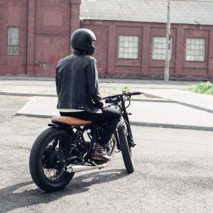 Aventura em duas rodas: conheça algumas vantagens das motos